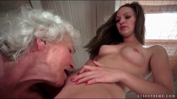 Old Lesbian Eating Young Pussy