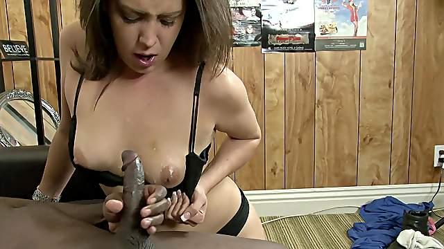 Amateur deals BBC in webcam XXX delight
