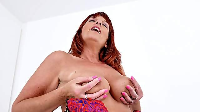 Lingerie-clad ginger BBW Beau Diamonds gets herself off