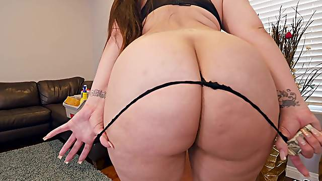 Maid Alycia Starr has a huge ass and is willing to fuck her boss